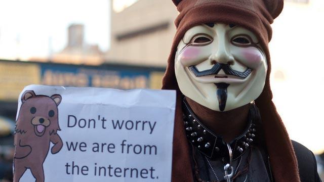Anonymous smaschera i pedofili su Twitter