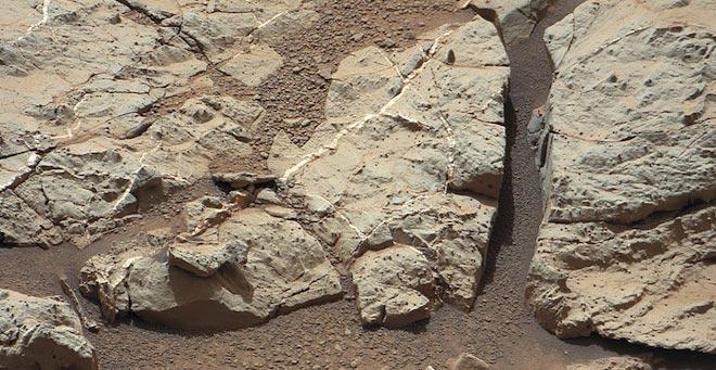 Curiosity pronta a trovare tracce di acqua