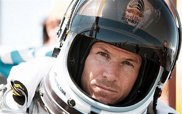 Felix Baumgartner cade da 39 km