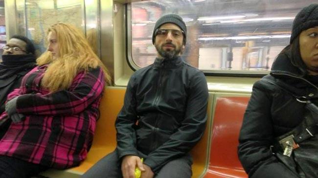 Sergey Brin e Google Glass in metropolitana a New York
