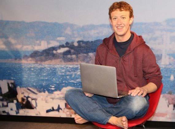 Mark Zuckerberg diventa una statua di cera