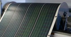 Ecco il primo pannello solare arrotolabile