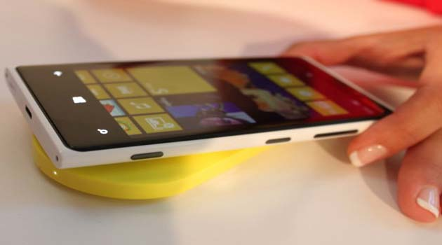Nokia pubblica i file per stampare i case del Lumia 820 in 3D
