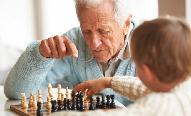 Bambini cercano risposte su Internet invece che dai nonni